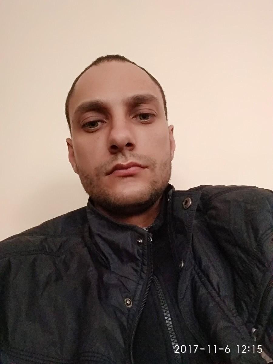 Знакомства Керчь, фото мужчины Сергей, 32 года, познакомится для флирта, любви и романтики, cерьезных отношений