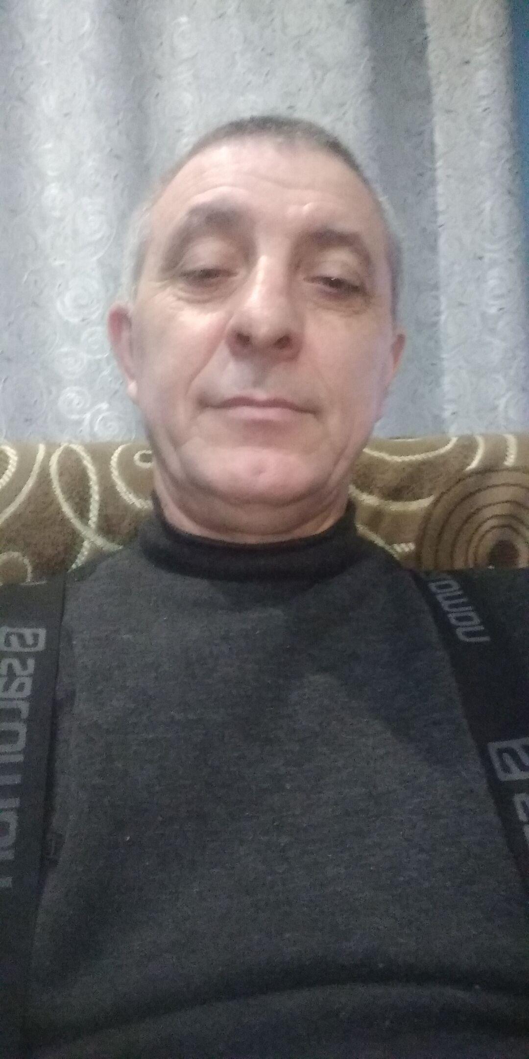 Знакомства Пермь, фото мужчины Анатолий, 54 года, познакомится для флирта, любви и романтики, cерьезных отношений