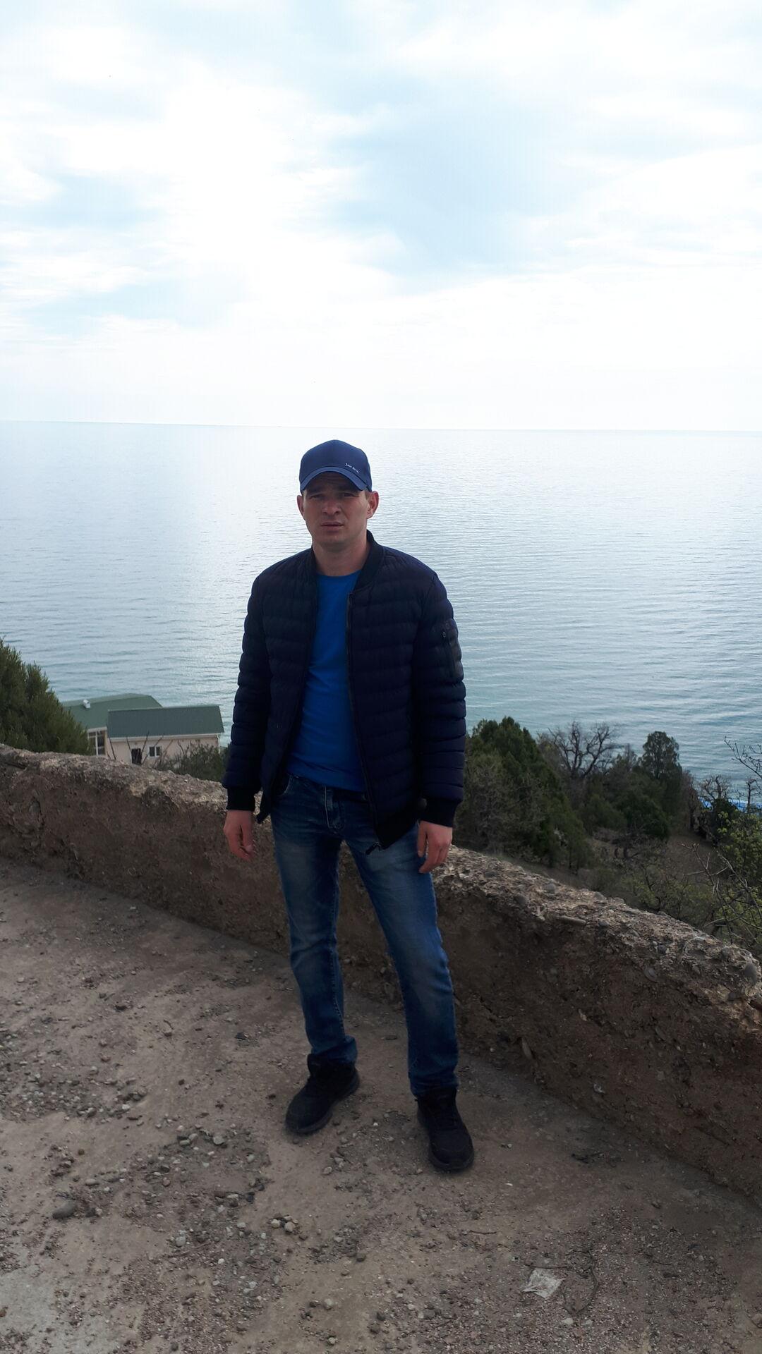 Знакомства Симферополь, фото мужчины Алексей, 30 лет, познакомится для флирта, любви и романтики