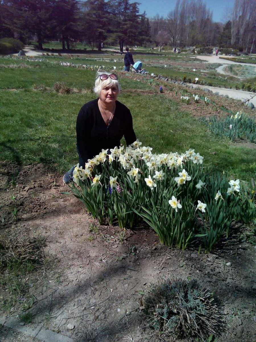 Знакомства Симферополь, фото женщины Надежда, 65 лет, познакомится для флирта, любви и романтики, cерьезных отношений
