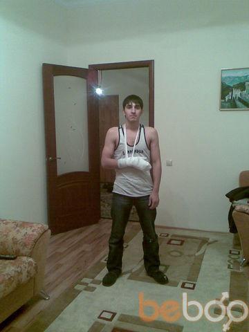 Фото мужчины на стенке, Москва, Россия, 26
